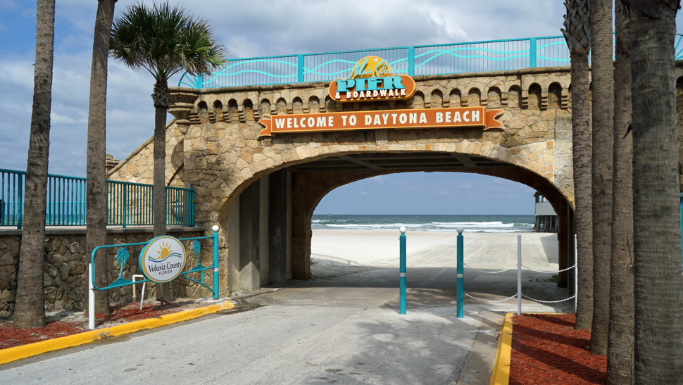 Beach-access-Main-Street